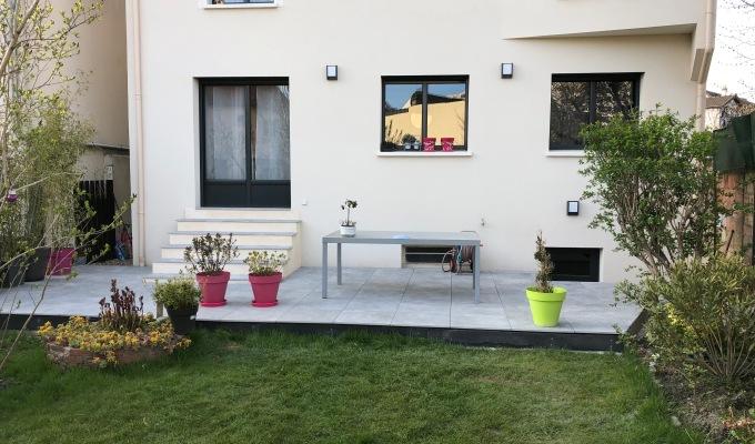 Création d'une terrasse en grèscérame